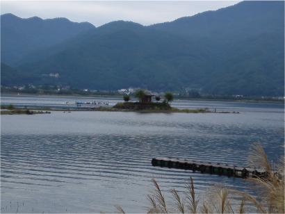 ホテル前の河口湖.jpg