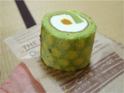 ロールケーキひとつ.jpg