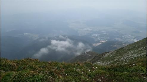 伊吹山山頂付近から.jpg