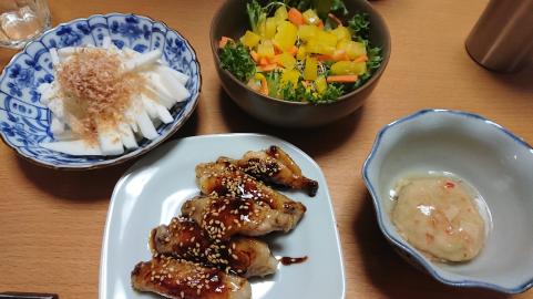 手羽中・長芋・サラダ.png